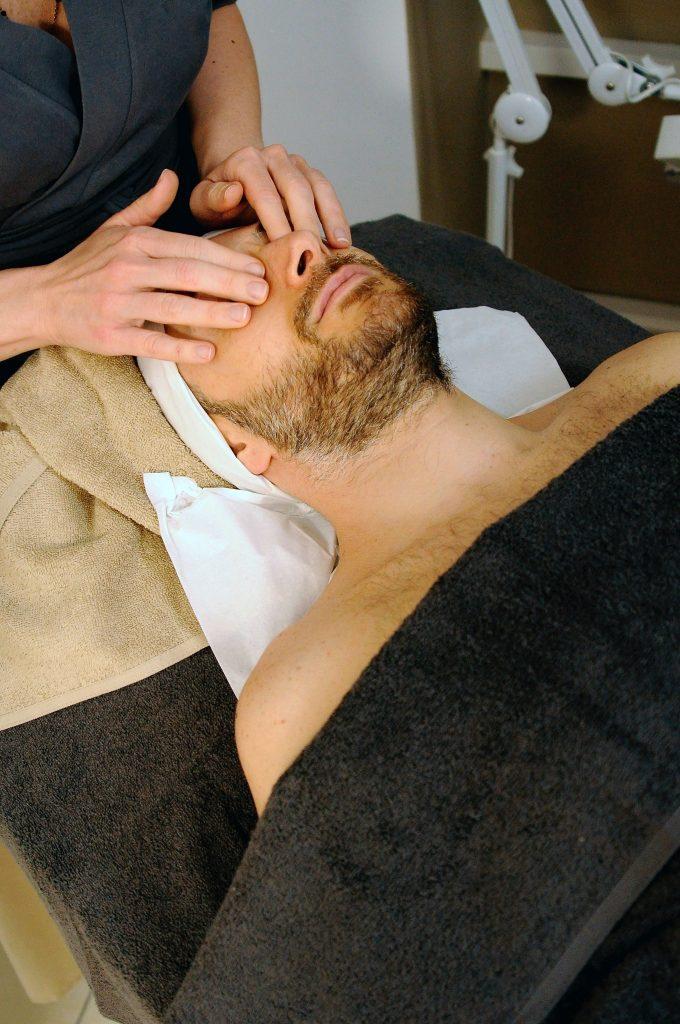 La  Réflexologie (ou massage) cranio – facial